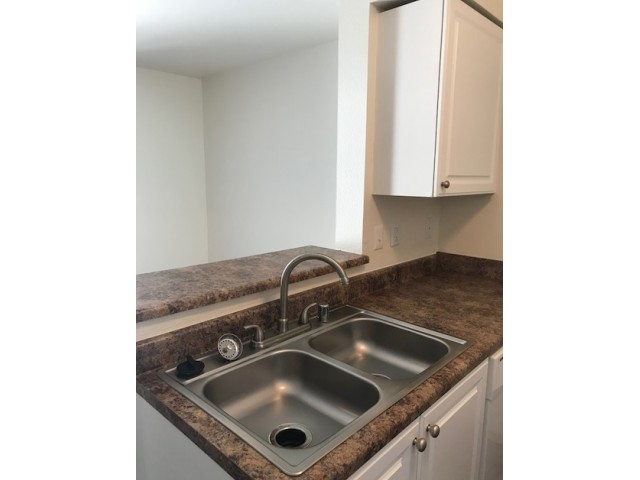 Image of Faux Granite Counter Tops for BRECKENRIDGE APARTMENTS