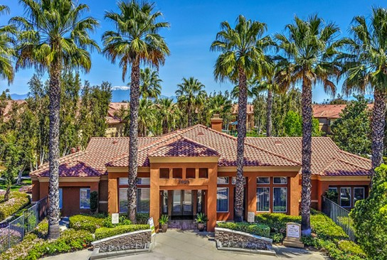 Riverside CA Apartments in Orange Crest | Mission Grove
