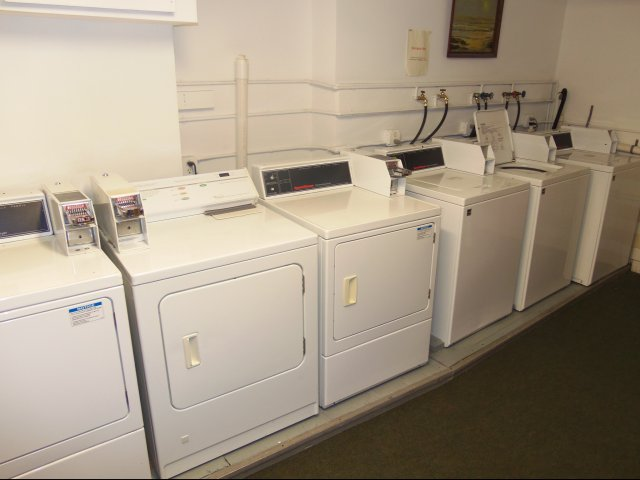 Edgecliff laundry room
