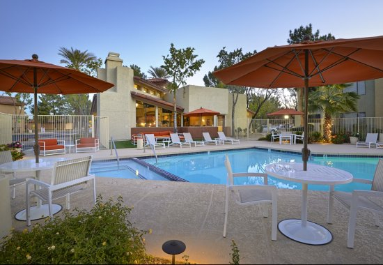 Country Brook Apartments Chandler, AZ pool and patio