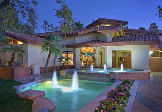 Country Brook Apartments Chandler, AZ landscaping an d exterior