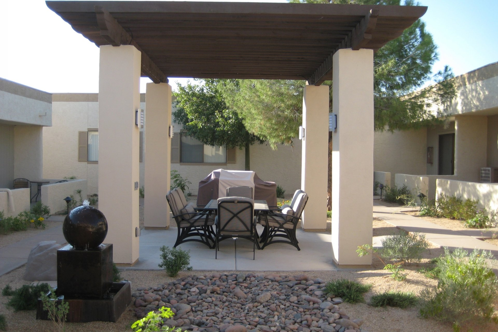 SunVilla Apartments Mesa, AZ BBQ and Ramada