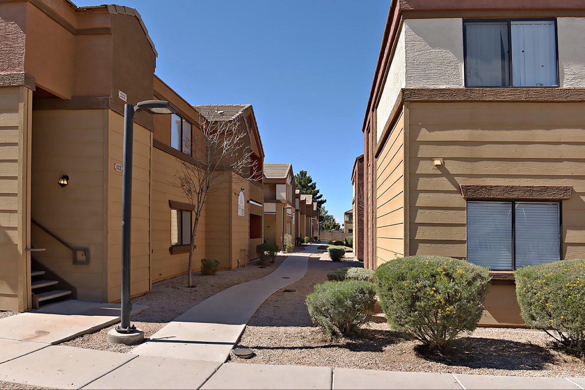 La Estrella Vista Apartments Phoenix, AZ Exterior An Dlandscaping