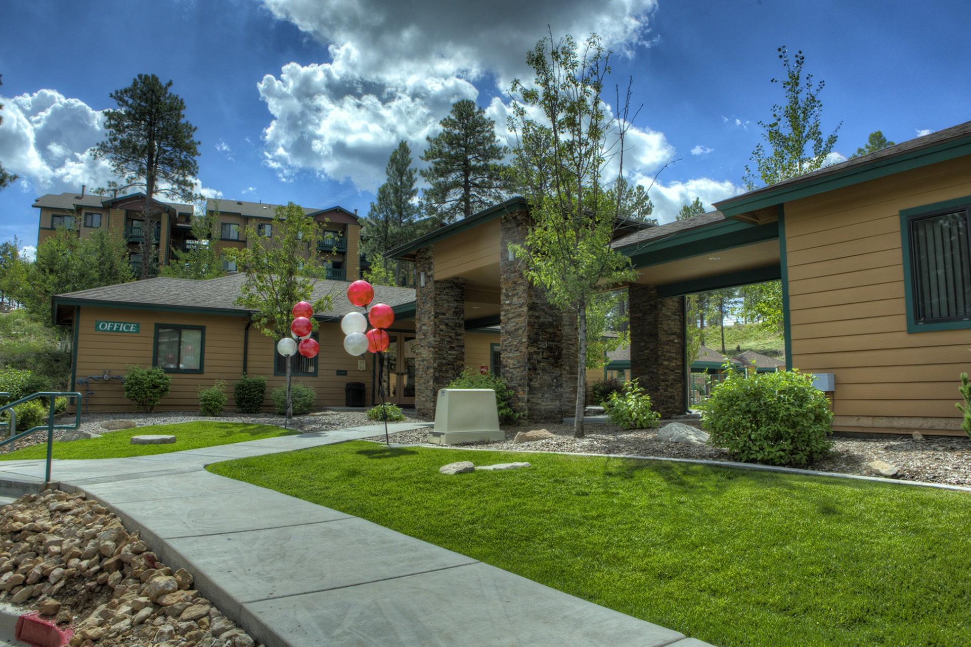 The Ridge at Clear Creek Apartments Flagstaff, AZ exterior and landscaping