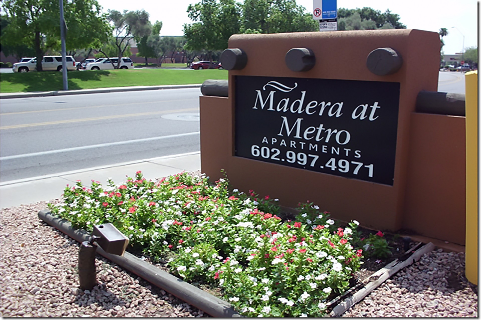 Madera at Metro Apartments Phoenix, AZ front entrance