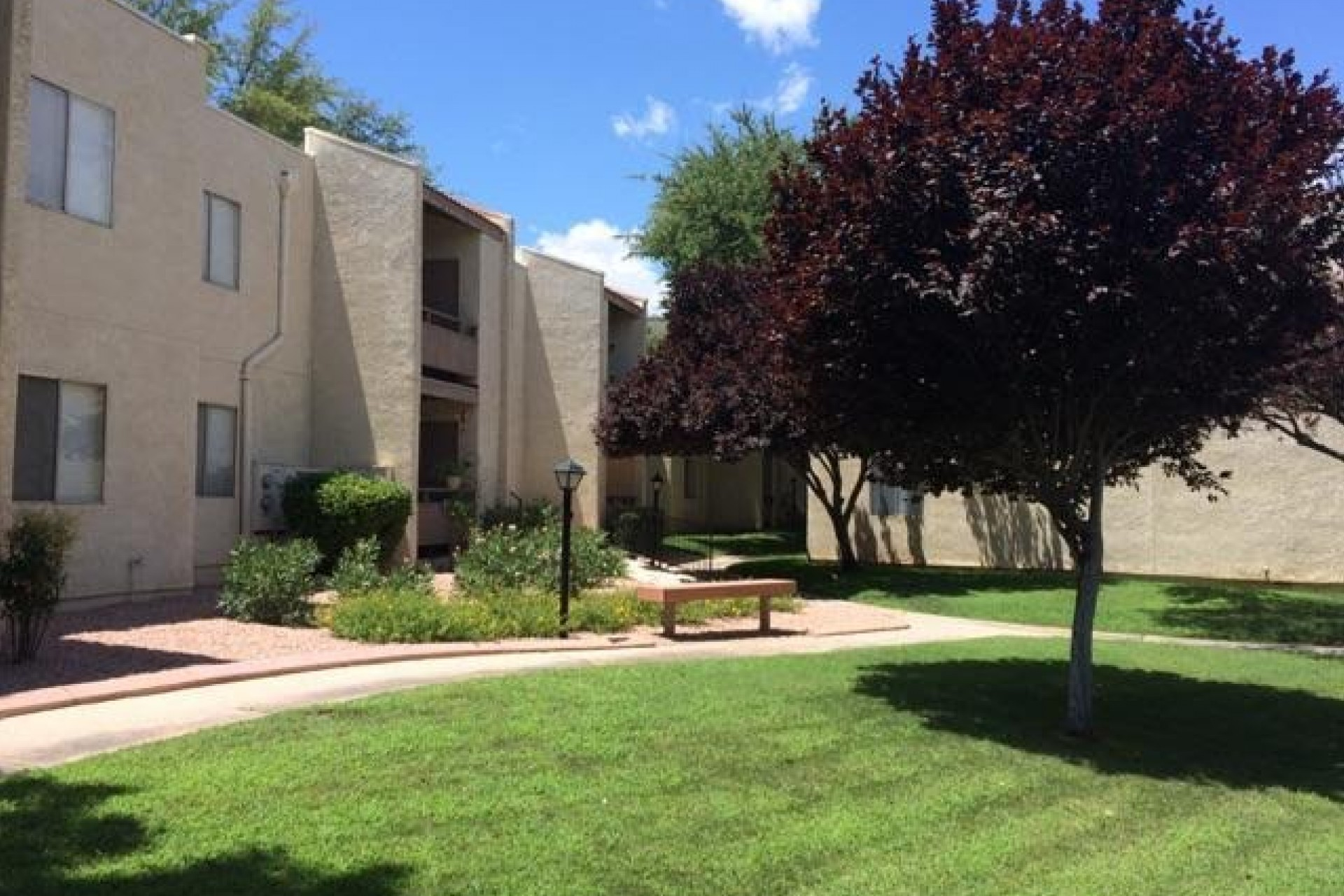 Saguaro Villas Apartments exterior and landscaping