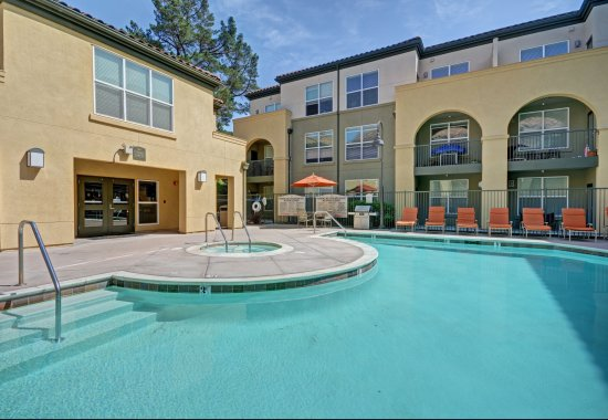 Swimming pool at Villa Montanaro Apartments in Pleasant Hill CA