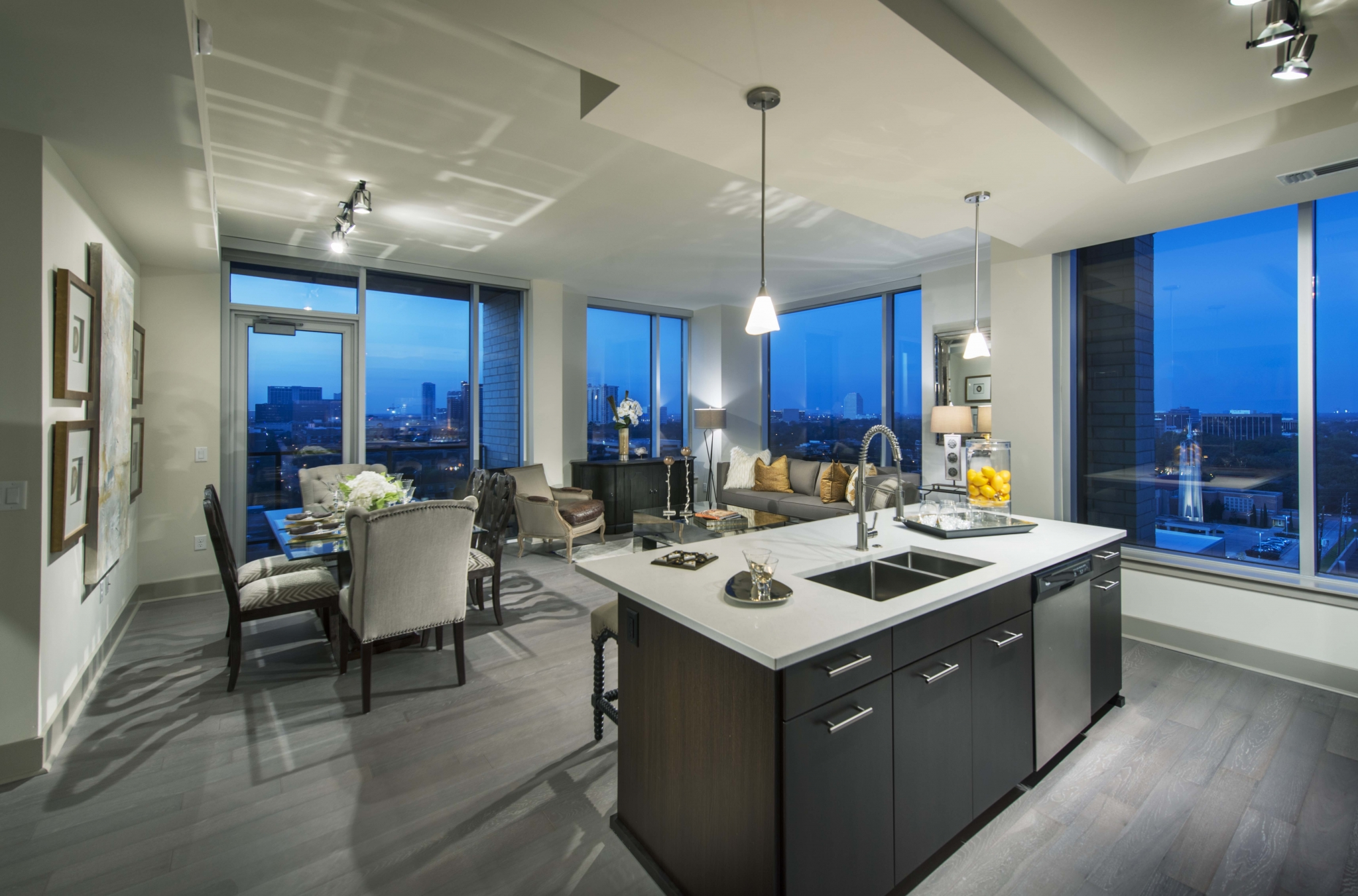 Image of Towering windows with unparalleled views and energy efficient solar shades for Hanover Post Oak