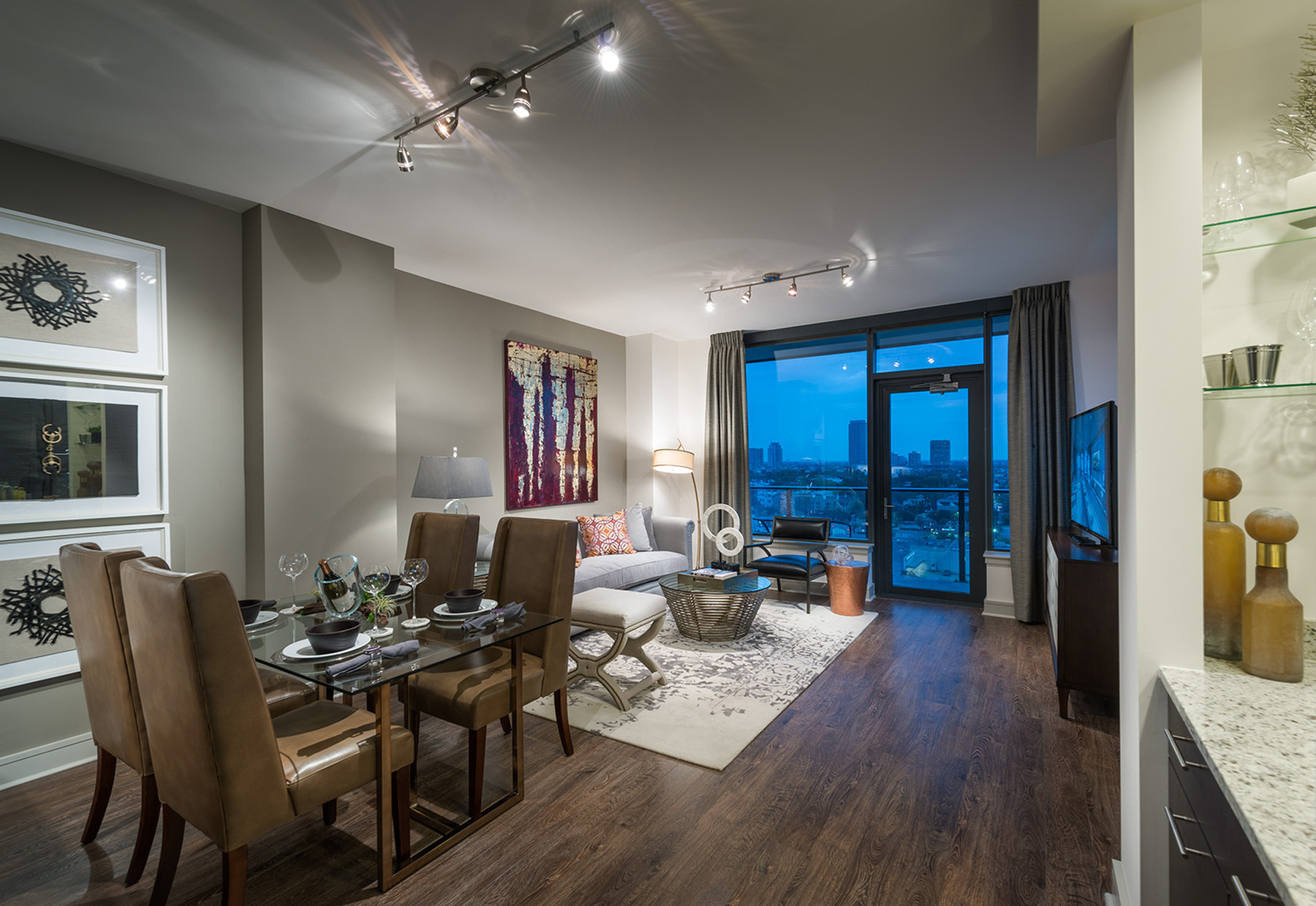Image of Expansive floor to ceiling windows with soaring ceilings for Hanover Montrose