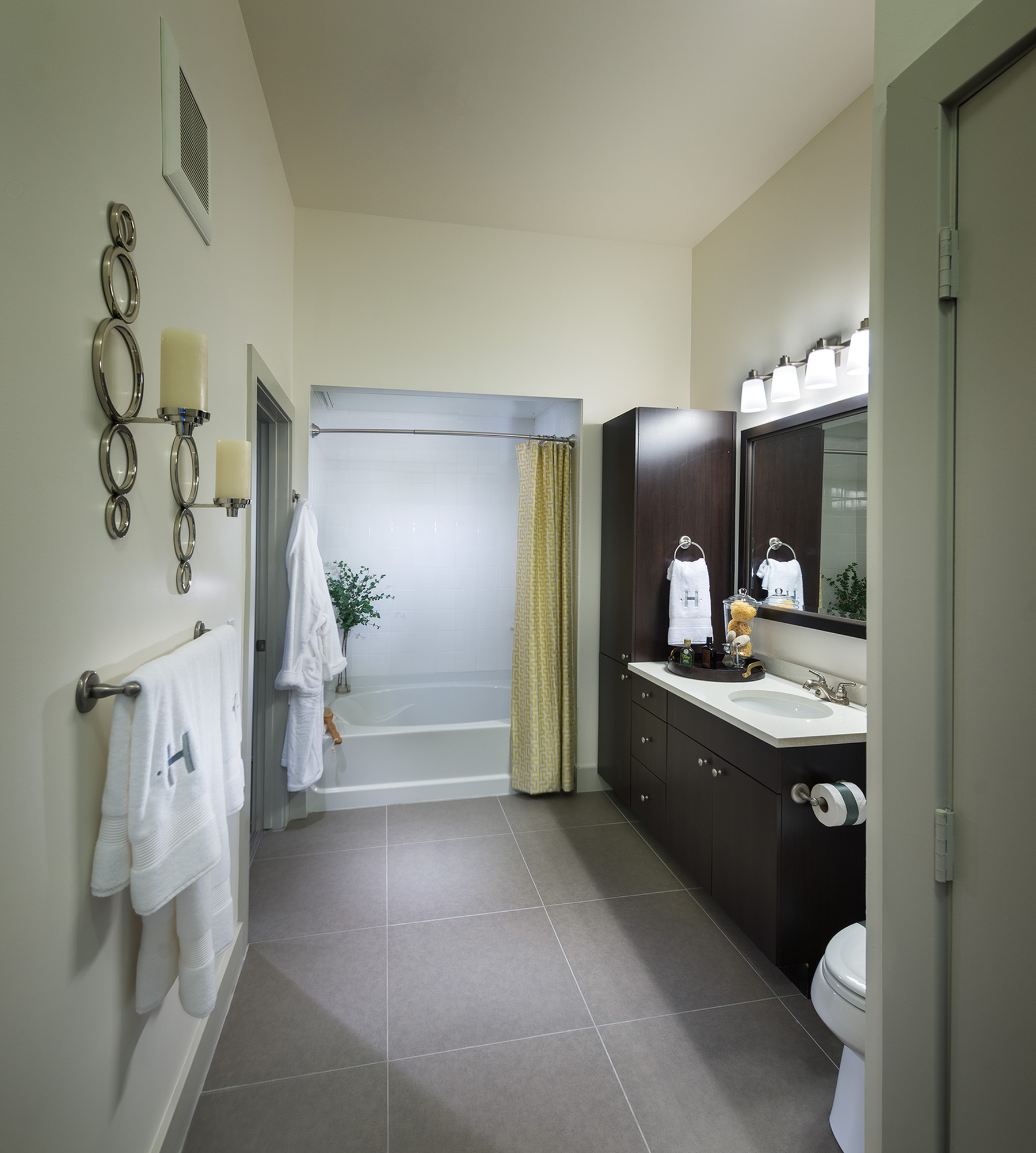 Image of Spa-like bathrooms with oversized soaking tubs for Hanover Foxborough