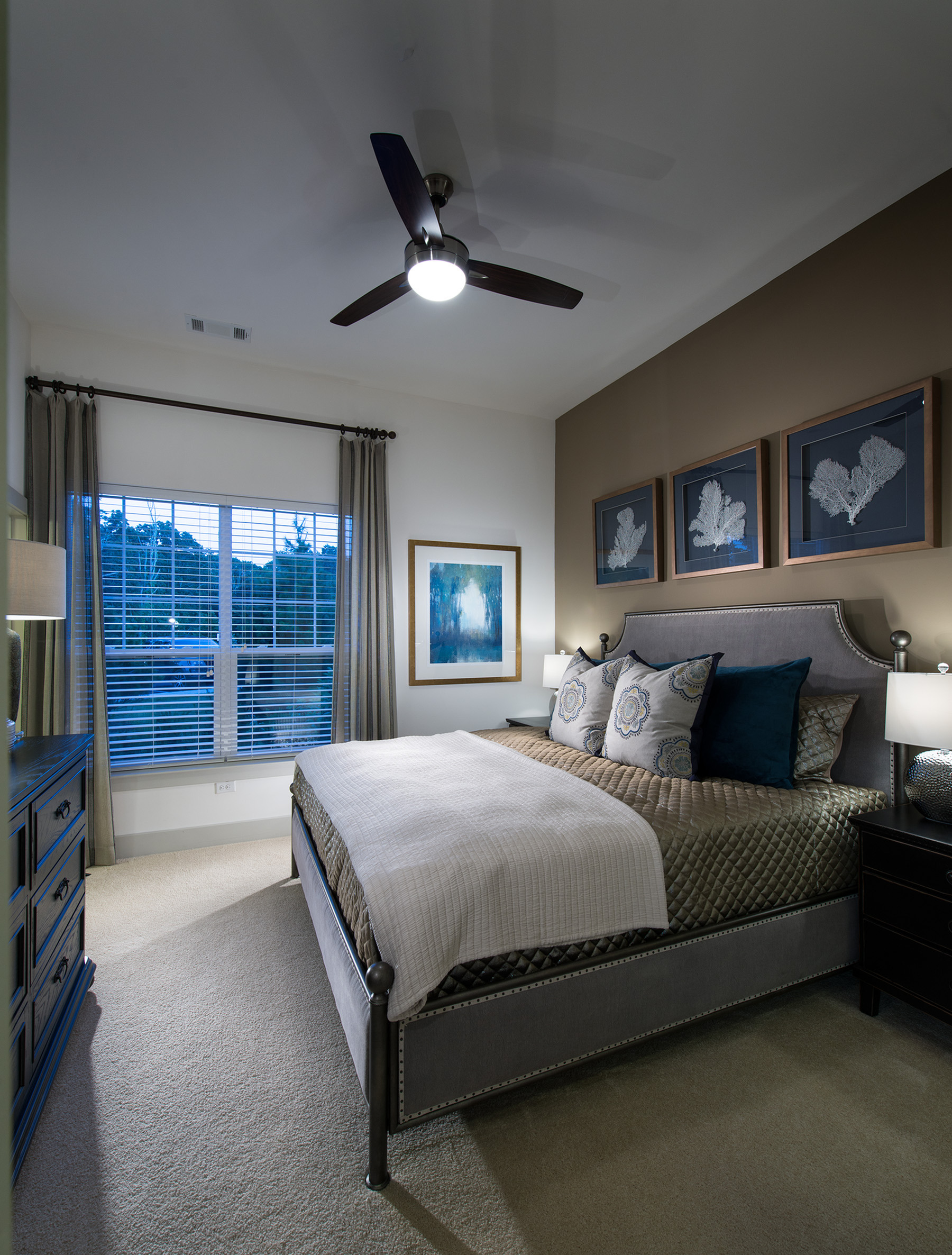 Image of Spacious bedrooms that accommodate king size beds for Hanover Foxborough