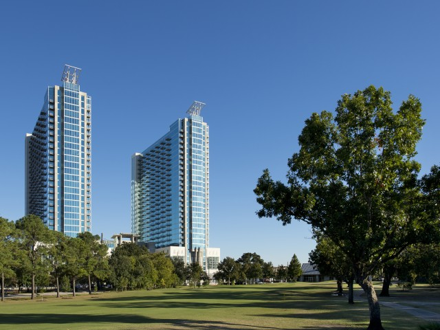Image of Walking distance to Hermann Park, Houston Zoo,  Medical Center and Museum District for Hanover Hermann Park