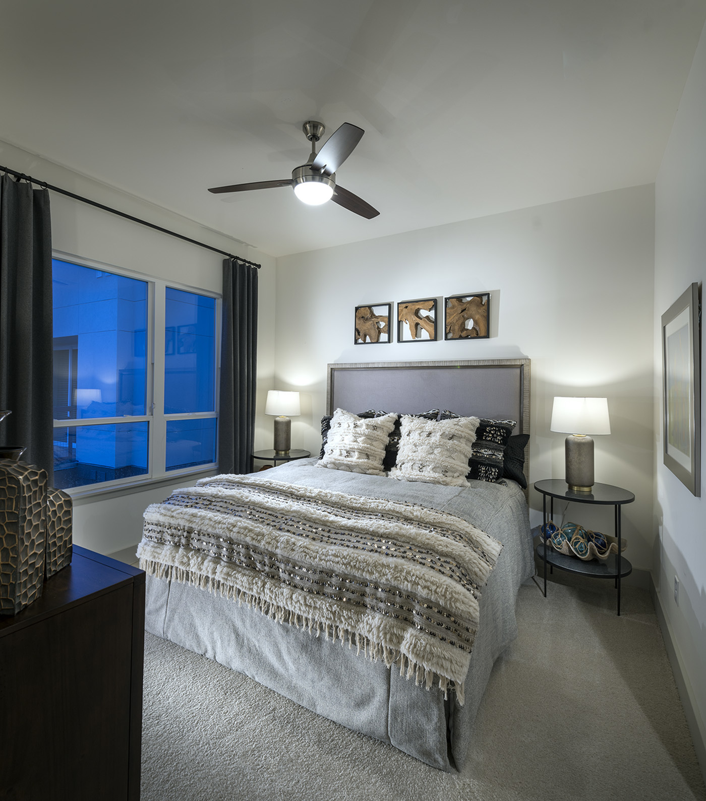 Image of Ample bedrooms that accommodate king-size beds for Hanover West Peachtree