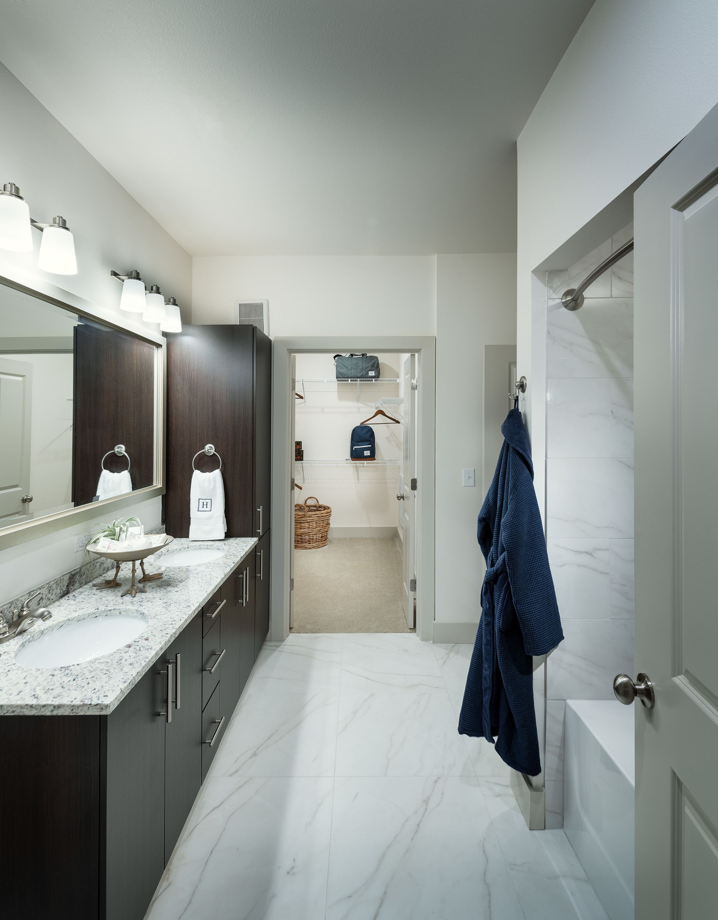 Image of Dual-vanity countertops, walk-in showers and linen closets* for Hanover Dr. Phillips