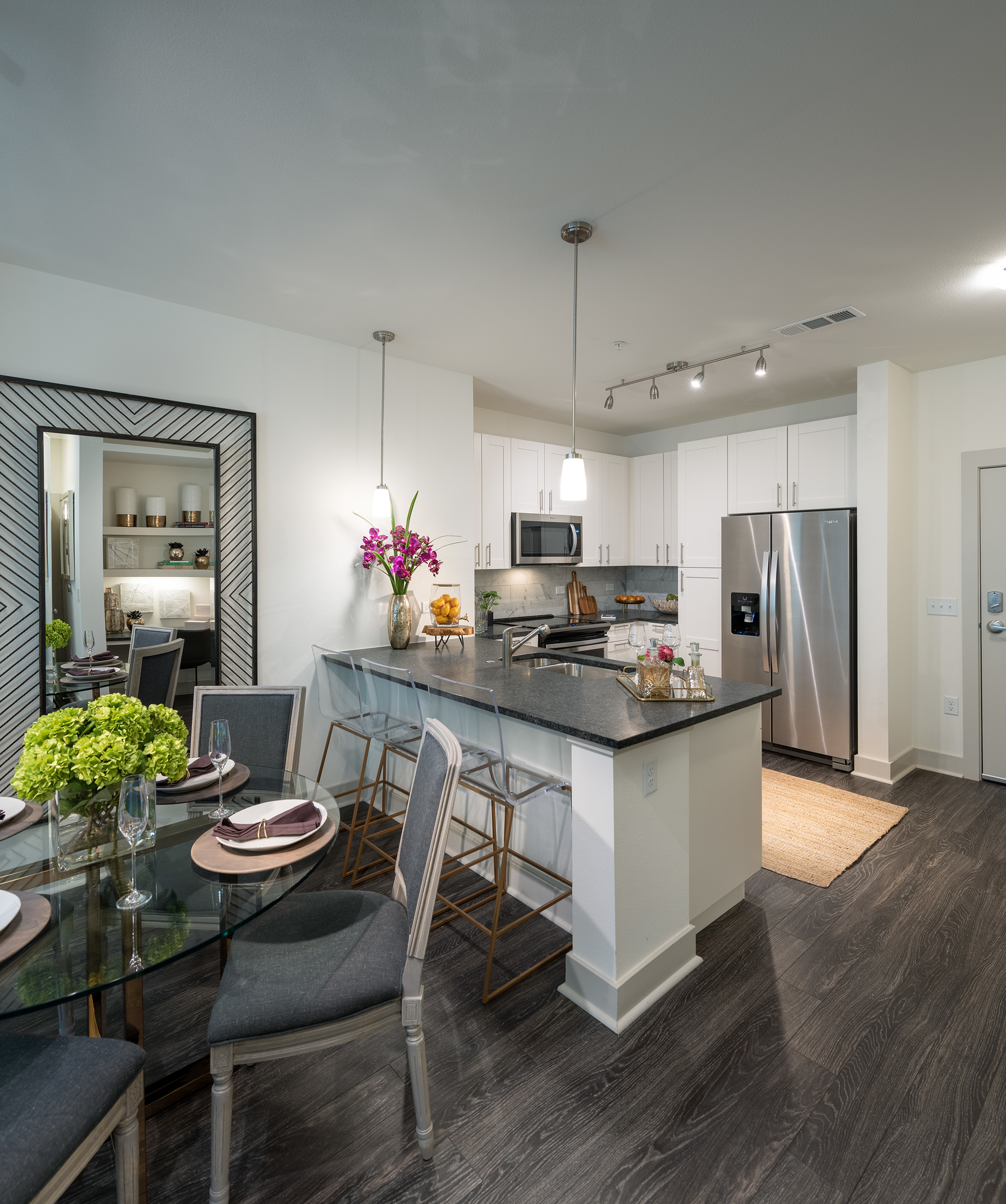 Image of Gourmet kitchens with stainless steel appliances for Hanover Platt Park