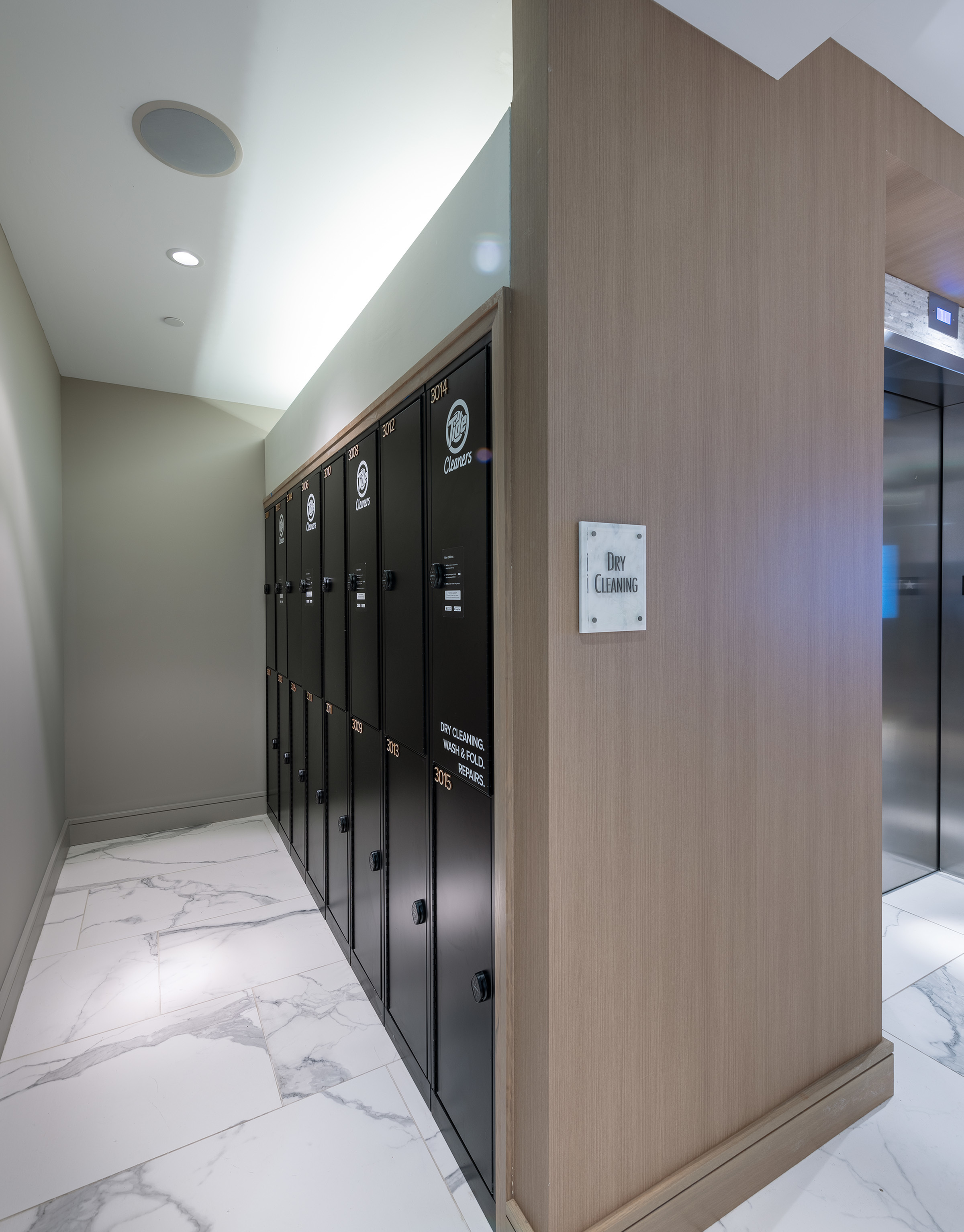Image of Convenient on-site package lockers and dry-cleaning service for Hanover Platt Park