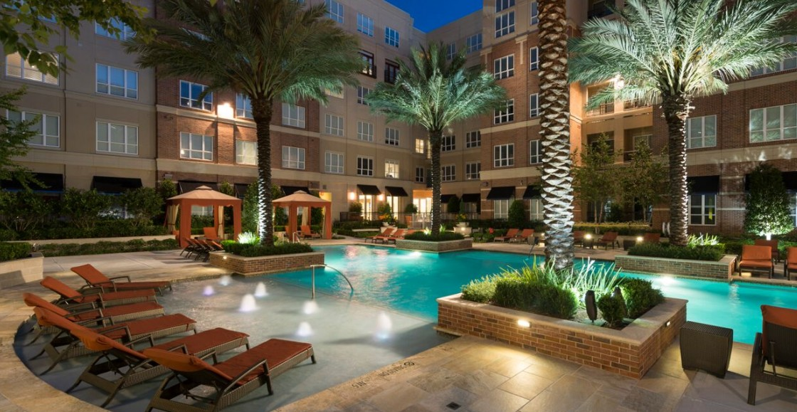 Image of Resident courtyard with resort-style pool for Hanover Rice Village