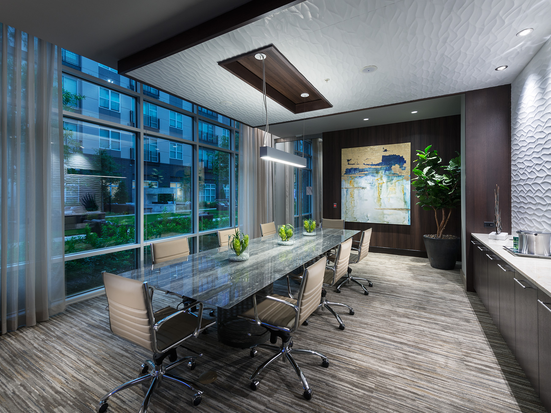 Enclosed conference areas with SMART TV\'s at Hanover Cross Street