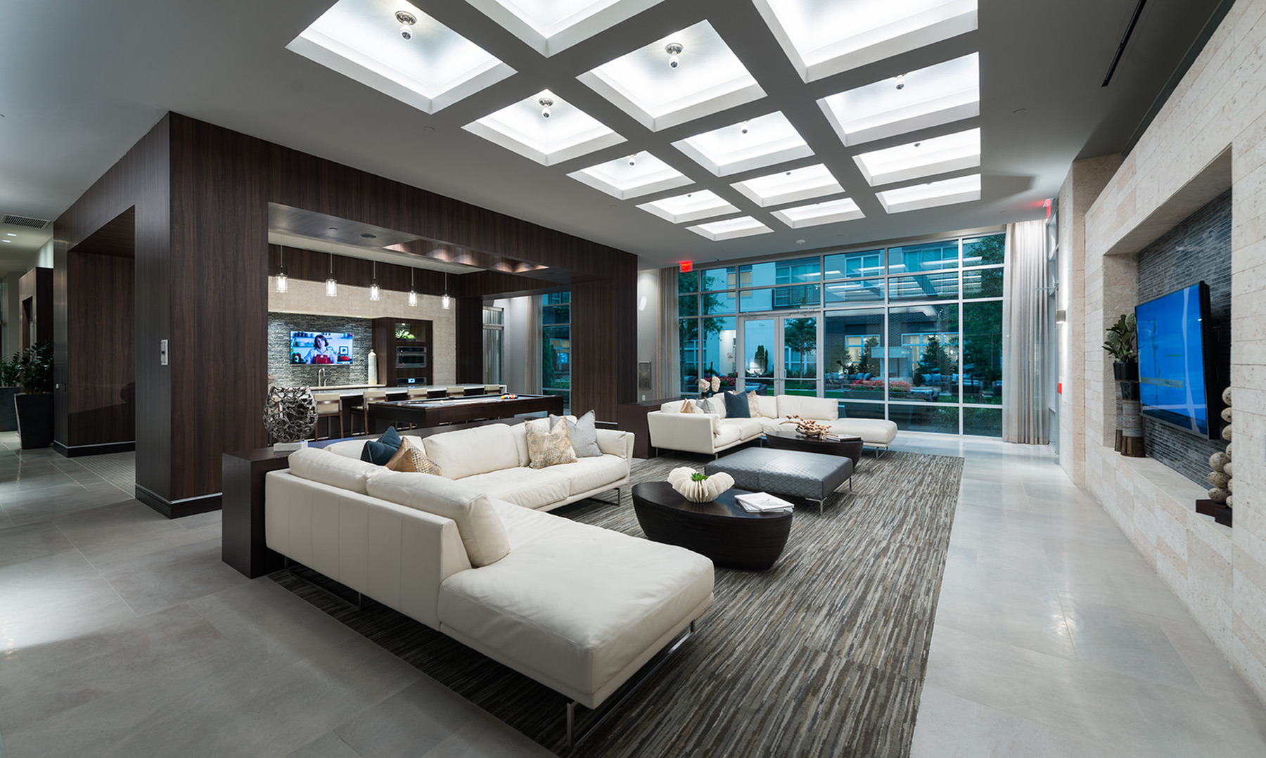 Welcoming reception room with HDTV lounge at Hanover Cross Street