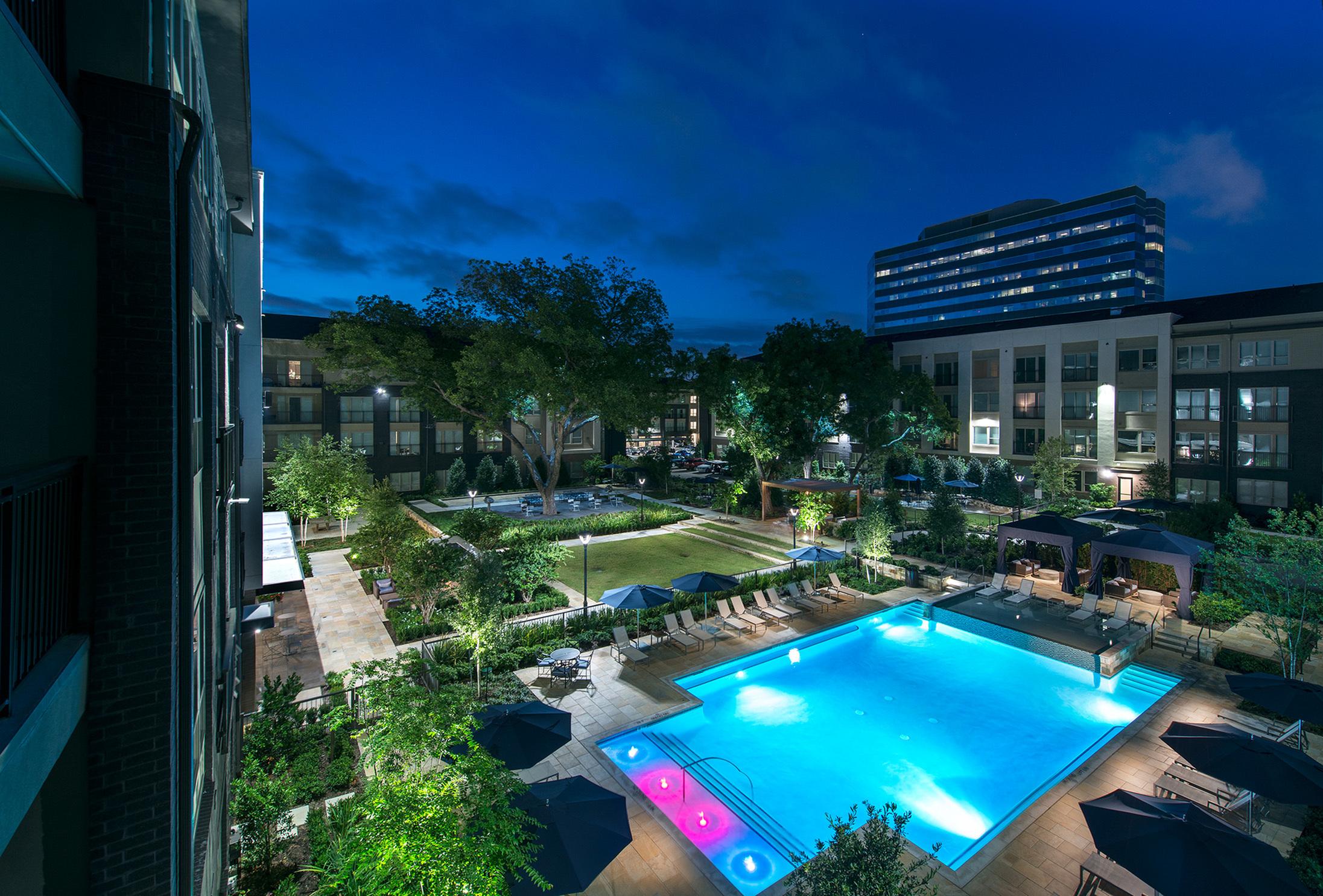 Pool at Hanover Midtown Park