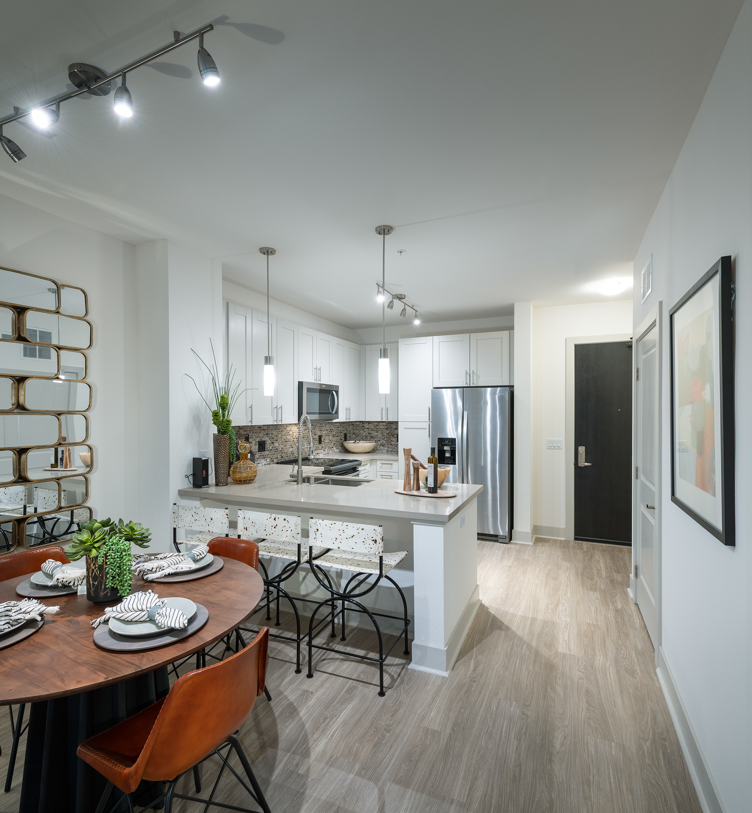 Useful Tips for Apartment Living-image