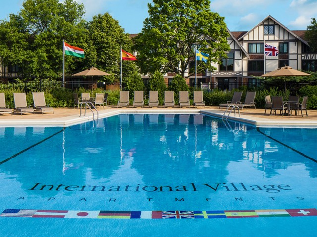Image of Outdoor swimming pool for Schaumburg- International Village