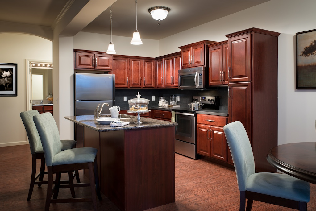 Image of Raised Panel Cherry Kitchen for Meridian West Shore
