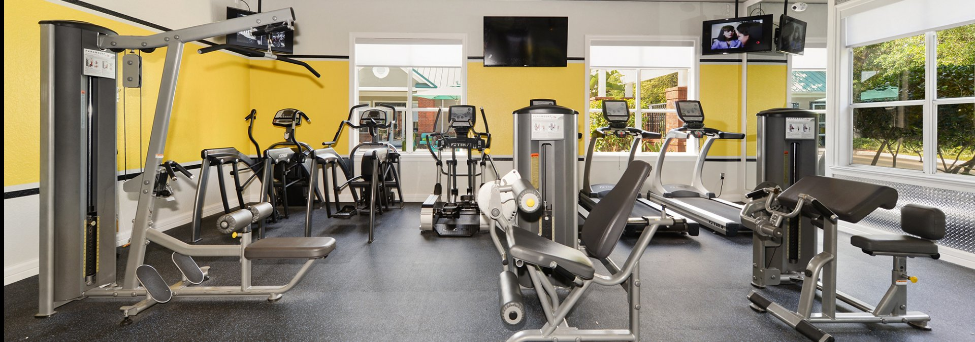 State-of-the-Art Fitness Center | Off Campus Housing USF | The Social at South Florida