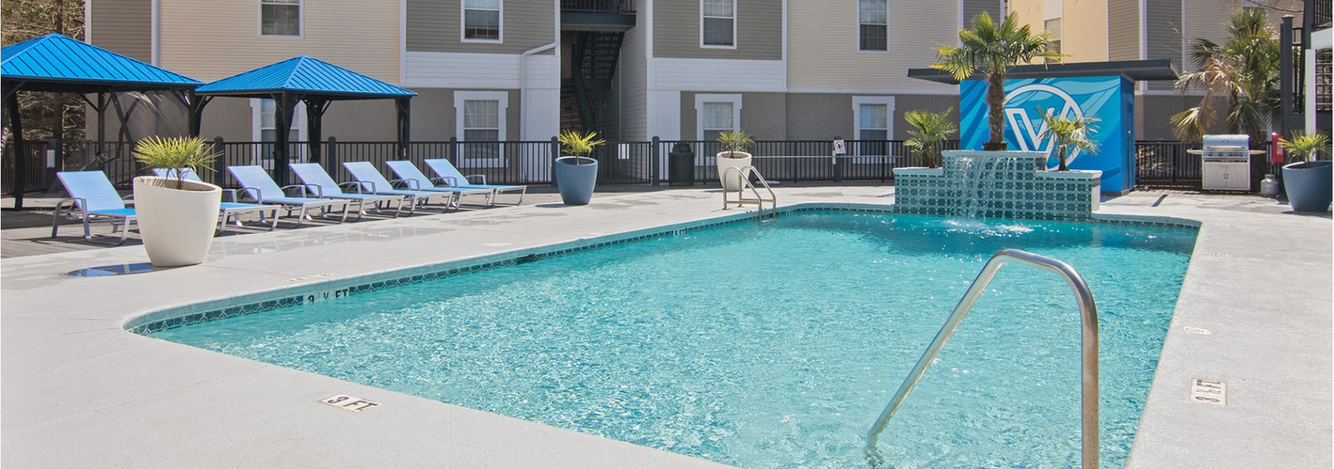 Sparkling Pool | Luxury 1 Bedroom Tallahassee Apartments | The Venetian Student Living 1