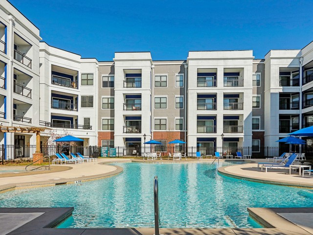 Image of Resort-style Pool / Lap Pool and Spa for TwentyNine24 Brookhaven Apartment Homes