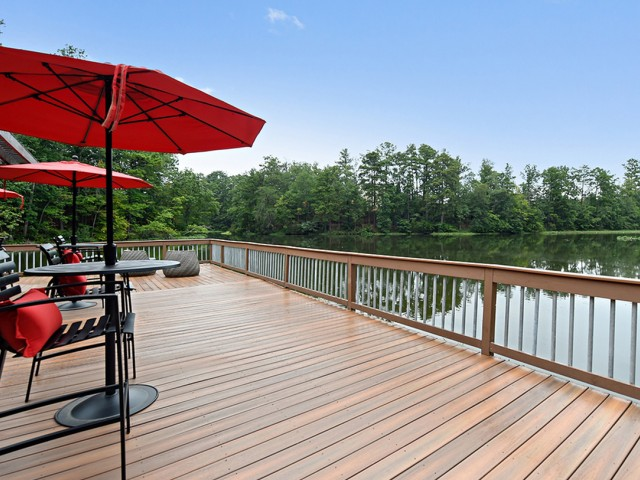 Image of Sundeck with Beautiful Lake Views for 100 Inverness Apartment Homes