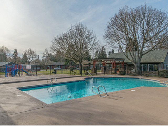 Image of Sparkling Community Pool for MIRO at Dash Point