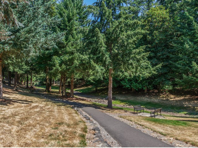 Image of Walking/Biking Trails for Evergreen Apartment Homes