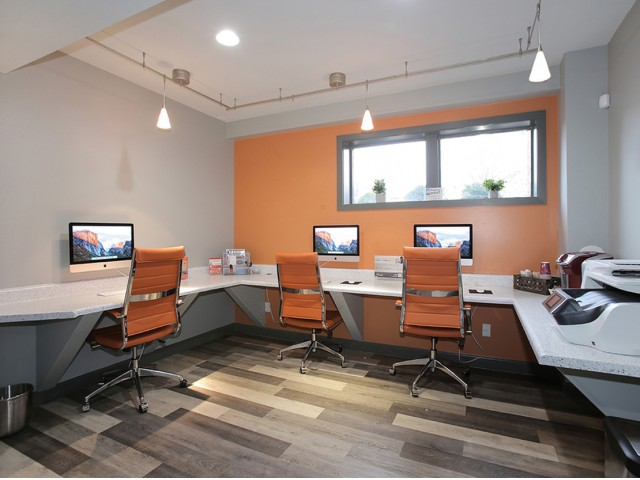 Image of iMac Cyber Cafe for The Arlington Apartment Homes