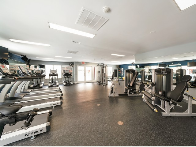 Image of Fitness Center for Fifteen98 Naperville Apartment Homes