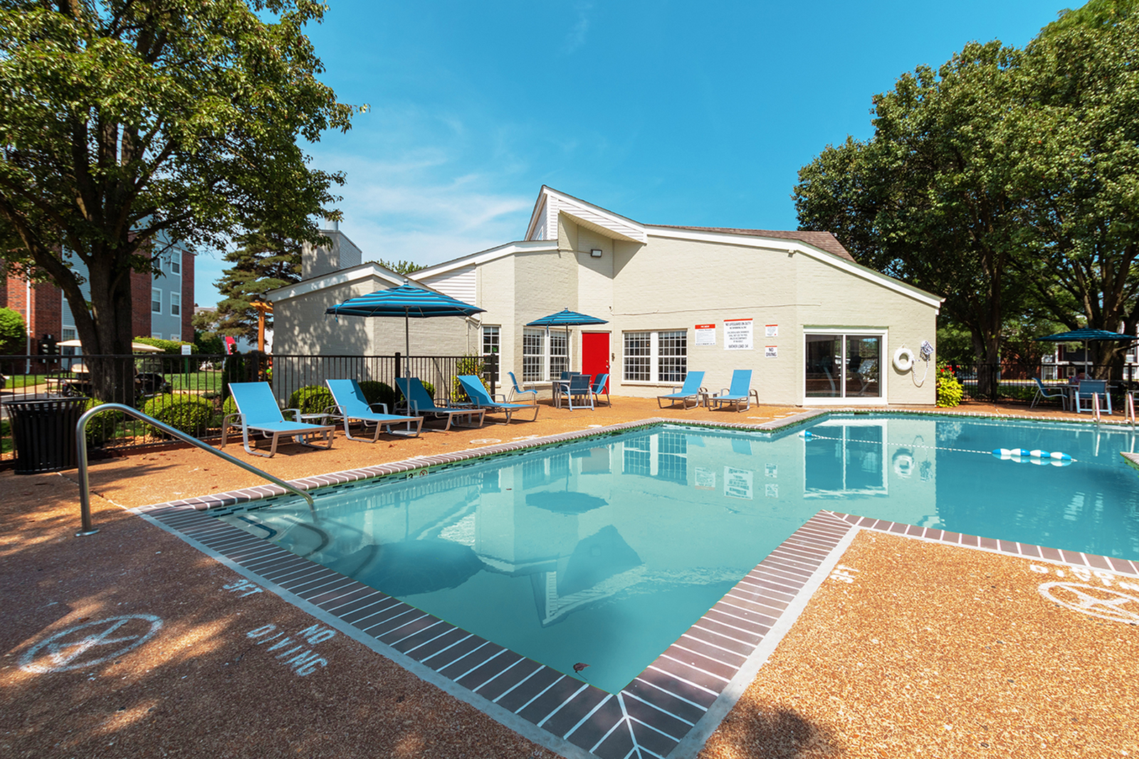 Image of Pristine Pool with Cabanas for ReNew Chesterfield