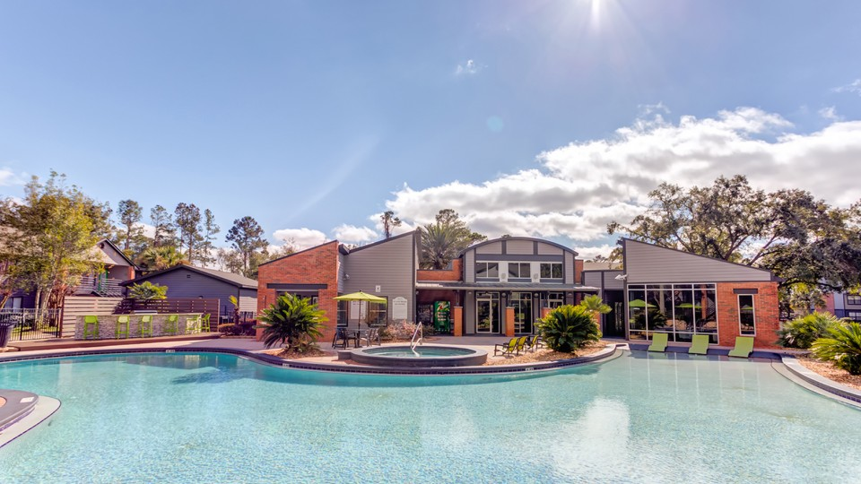 Pool   Luxury Student Apartments Tallahassee   The Social 2700 Student Spaces