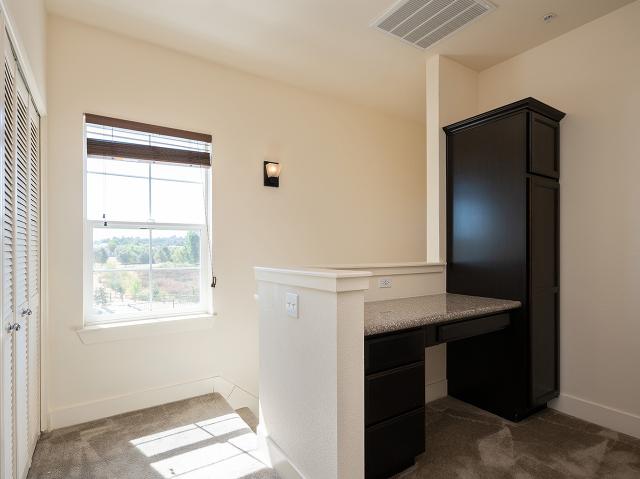 granite-countertops-desks