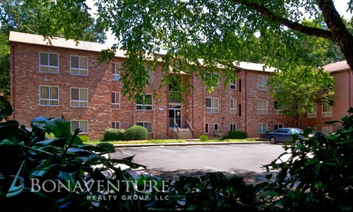 Glen Arbor Apartments- Building