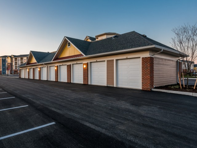 Spacious Garages | Pinnacle Apartments