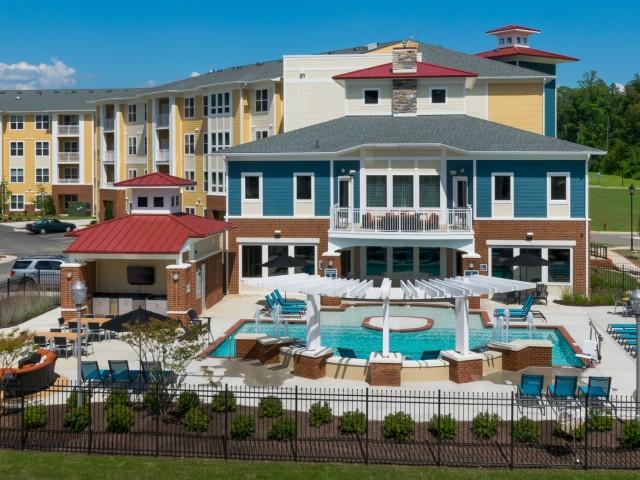 Williamsburg Luxury Apartments | Williamsburg VA