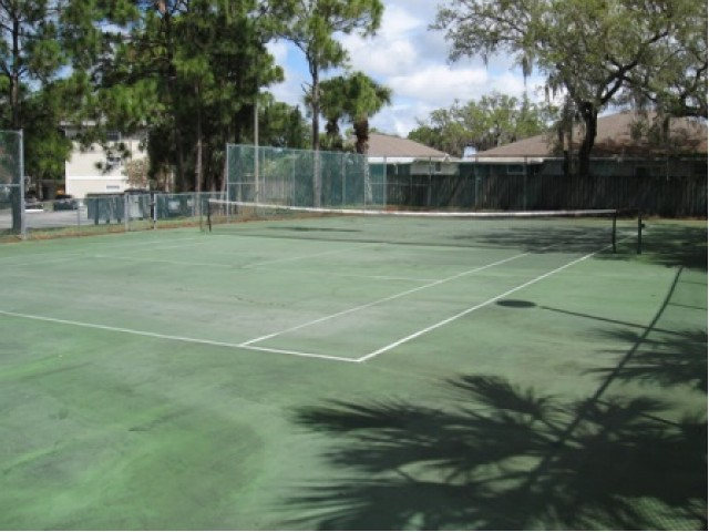 Image of Tennis Court for Rivercrest Apartments