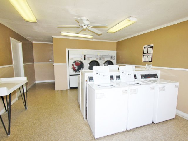 Corpus Christi rentals with community laundry