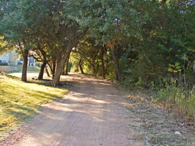 Walk path | Bike path | South Austin apartment complex