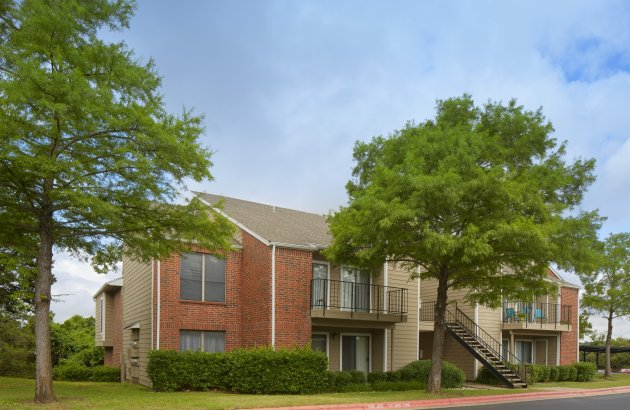 Great Hills is surrounded by a 20-acre greenbelt of cedar and native live oaks, overlooking the Great Hills Golf Course