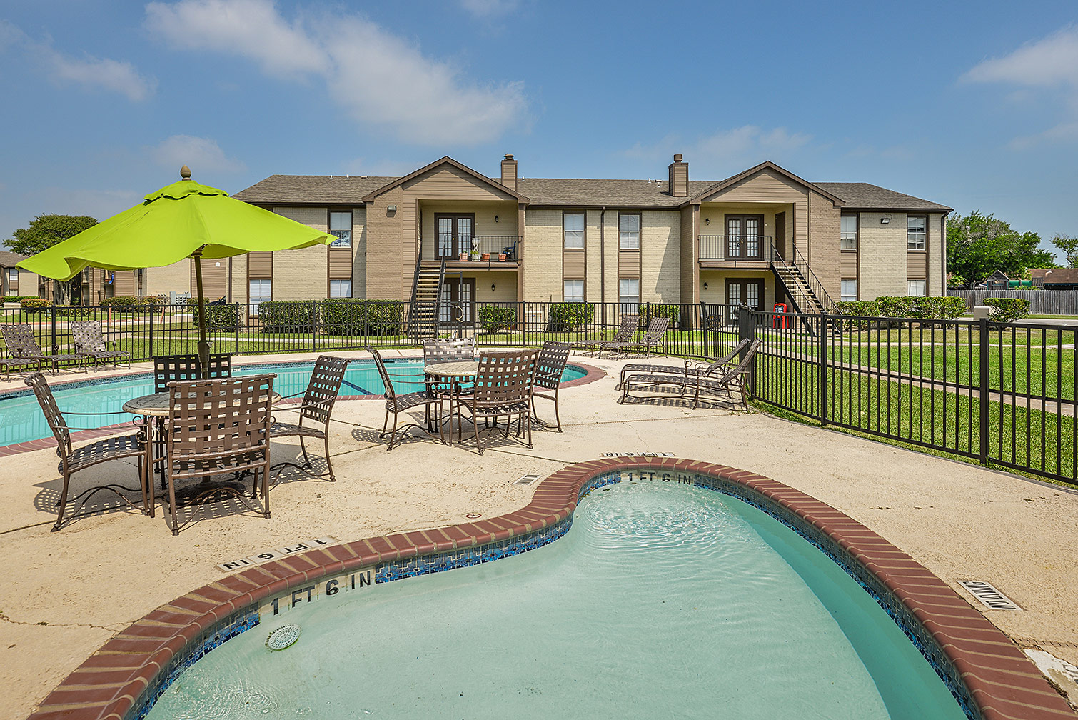 Candlewood apartments | outdoor pool