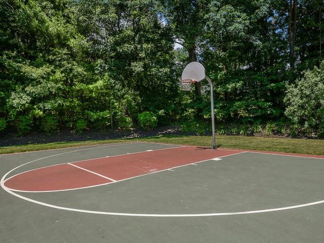 Basketball court | Apartment amenity | Residences at Westborough