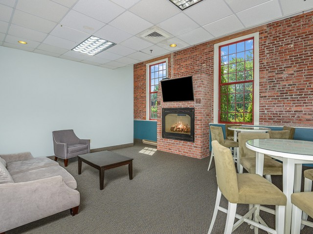 Pet friendly apartments in Enfield CT