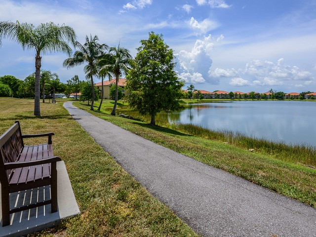 Jogging trail | Bay Breeze apartments