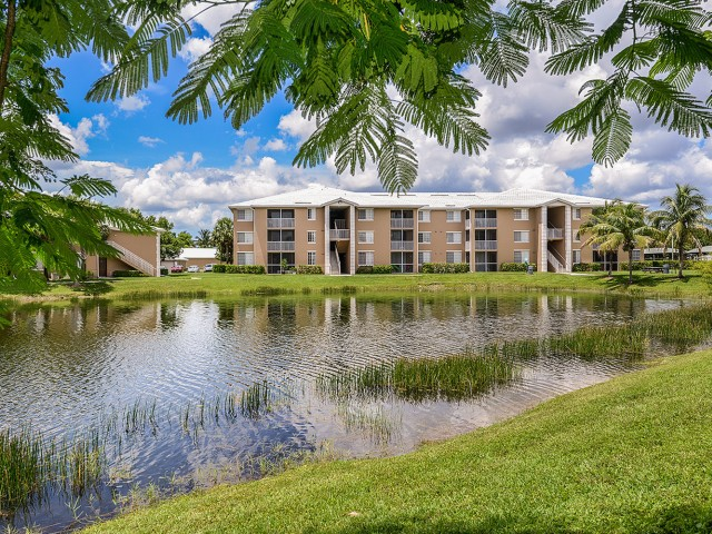 Promenade at Reflections Lakes apartment homes, fort myers ...